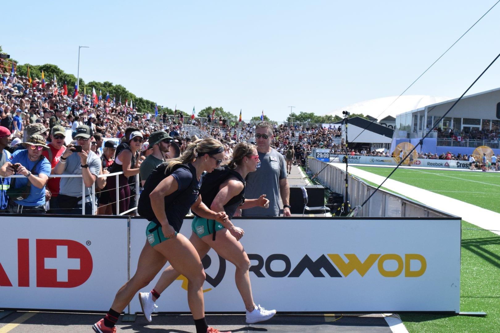 Amanda Barnhart completes the Ruck Run event at the 2019 CrossFit Games