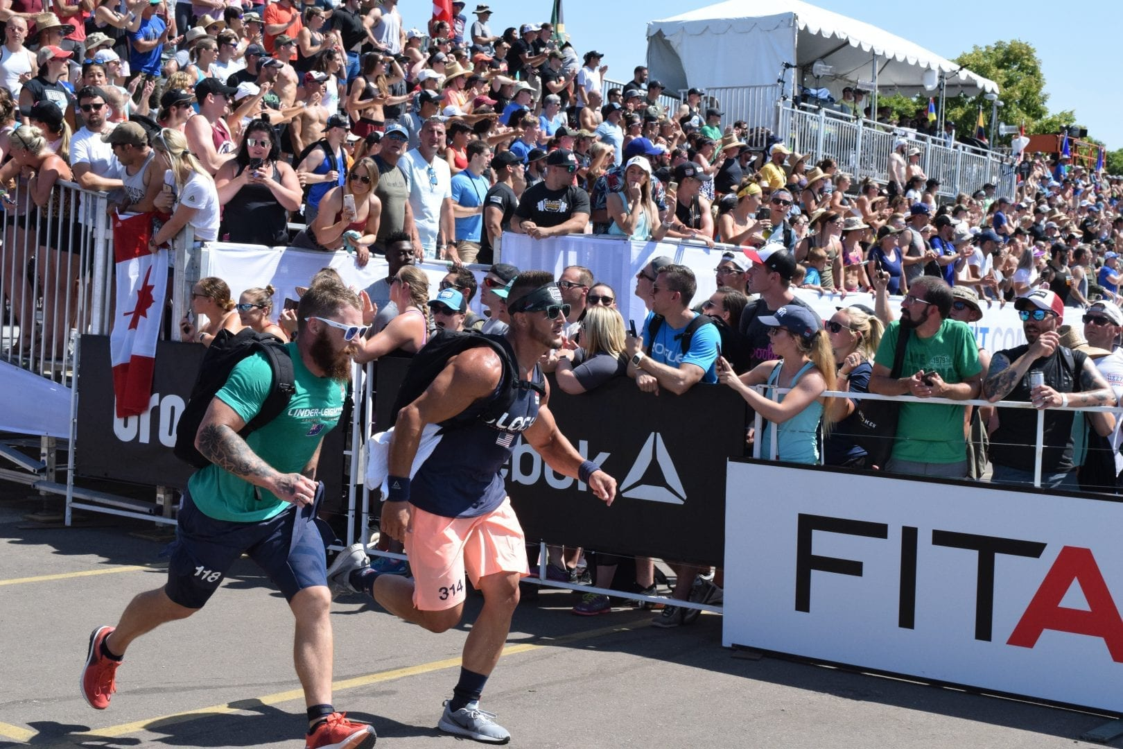 Dean Linder-Leighton completes the Ruck Run event at the 2019 CrossFit Games