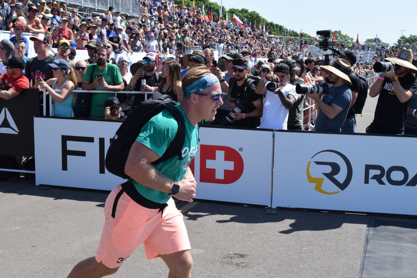 Noah Ohlsen completes the Ruck Run event at the 2019 CrossFIt Games.
